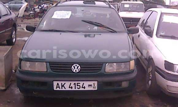Ra Àlòkù Volkswagen Passat Alawọ ewe Ọkọ̀ in Savalou ni Benin