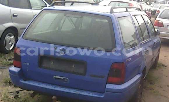 Acheter Occasion Voiture Volkswagen Passat Bleu à Porto Novo au Benin