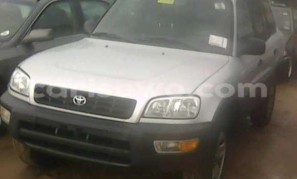 Acheter Occasion Voiture Toyota RAV4 Gris à Porto Novo au Benin