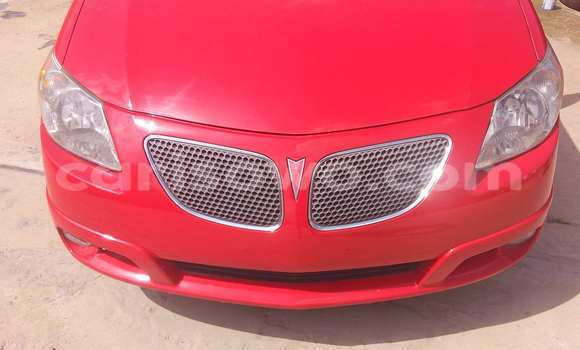 Acheter Occasions Voiture Pontiac Vibe Rouge à Porto Novo au Benin