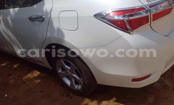 Acheter Occasion Voiture Toyota Corolla Blanc à Porto Novo, Benin