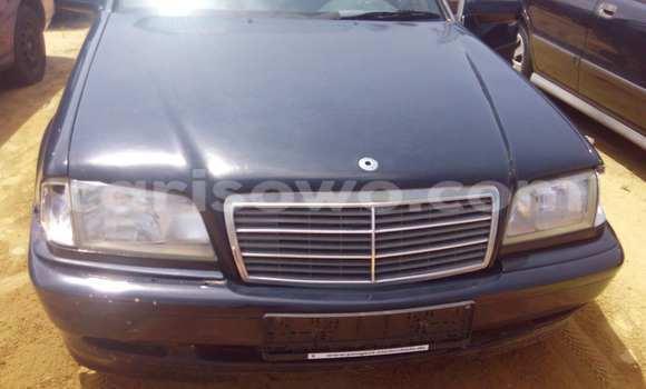 Acheter Occasion Voiture Mercedes‒Benz 190 Noir à Porto Novo au Benin