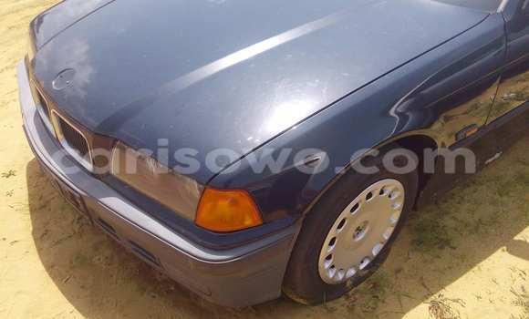 Acheter Occasion Voiture BMW 3-Series Noir à Porto Novo au Benin