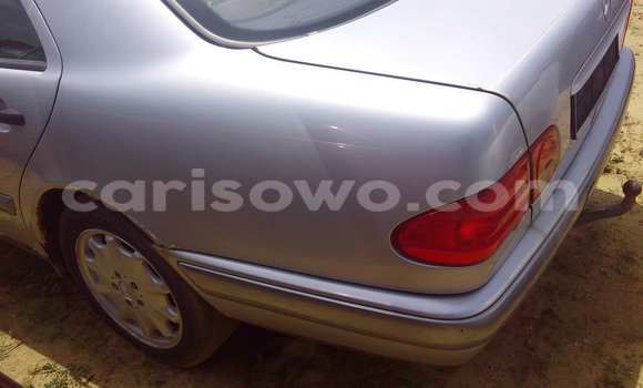 Acheter Occasion Voiture Mercedes-Benz 190 Gris à Porto Novo, Benin