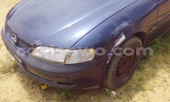 Acheter Occasion Voiture Opel Vectra Bleu à Porto Novo au Benin