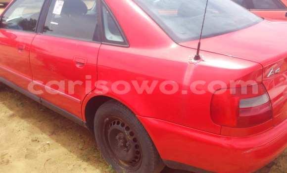 Acheter Occasion Voiture Audi A4 Rouge à Porto Novo au Benin