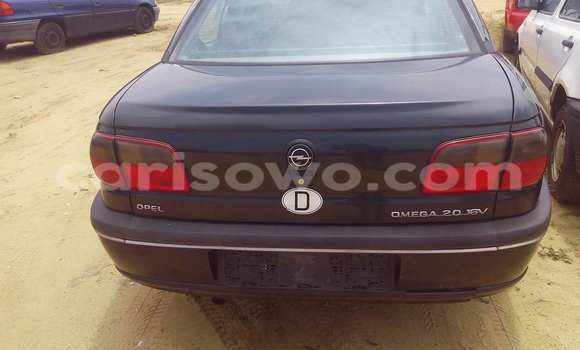 Acheter Occasion Voiture Opel Omega Noir à Porto Novo au Benin