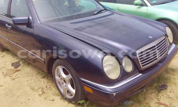 Acheter Occasion Voiture Mercedes‒Benz E-Class Bleu à Porto Novo au Benin
