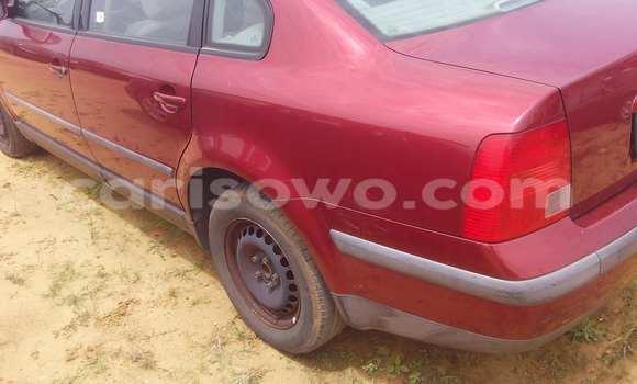 Acheter Occasion Voiture Volkswagen Passat Rouge à Porto Novo au Benin