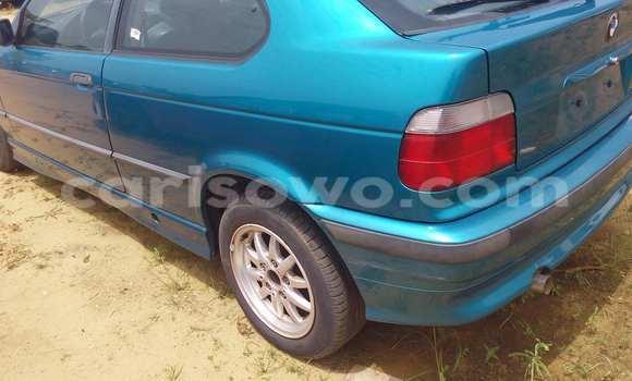 Acheter Occasion Voiture BMW 3-Series Bleu à Porto Novo au Benin