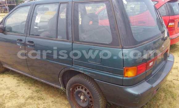 Acheter Occasion Voiture Nissan Prairie Vert à Porto Novo au Benin