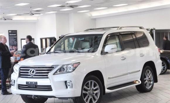 Acheter Occasion Voiture Lexus LX Blanc à Cové au Benin